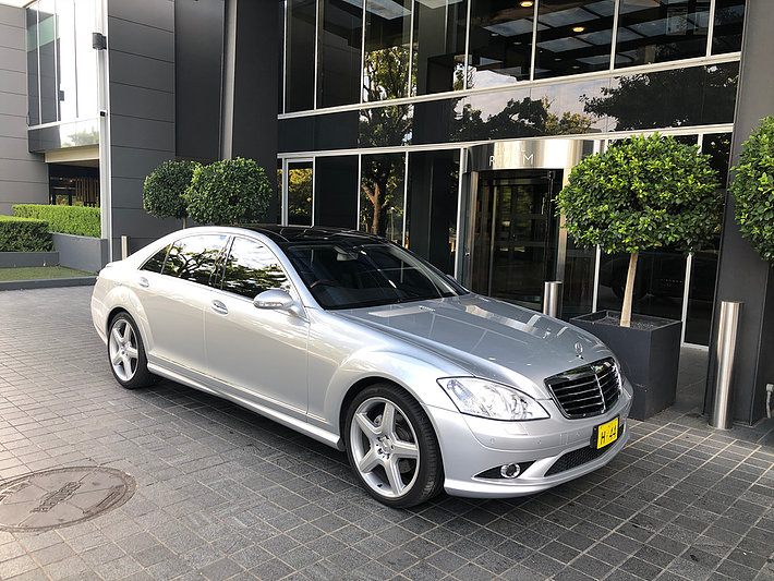 Mercedes Luxury Sedans